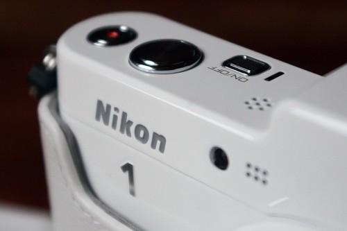 nikon_v1_04_miko